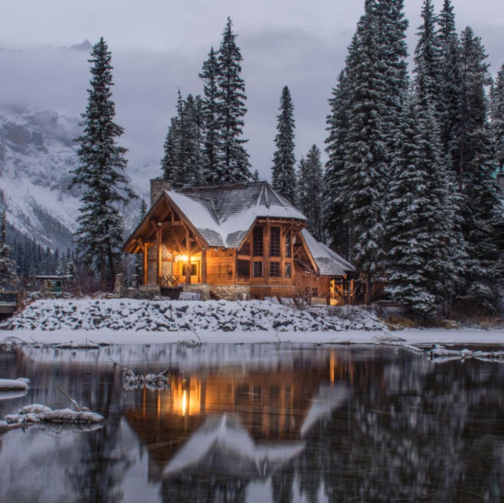 Beleuchtetes Haus Winter